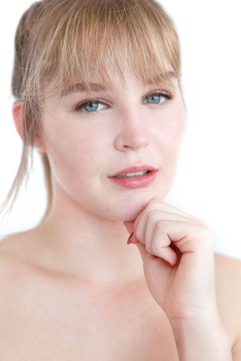 Now Actors - Ellie Triplett