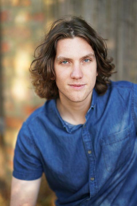 Now Actors - Max Dennis